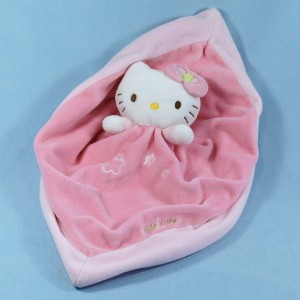 Chat HELLO KITTY doudou SANRIO rose