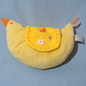 Poule HAPPY HORSE doudou semi-plat jaune et orange