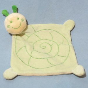 doudou escargot plat vert