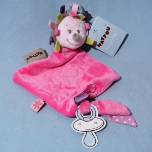 Hérisson NATTOU sos mini doudou plat rose Manon