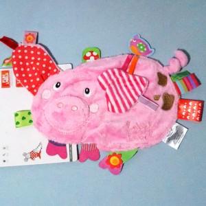 cochon LABEL-LABEL doudou rose étiquettes