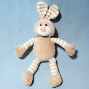 lapin SOFT FRIENDS doudou hochet beige