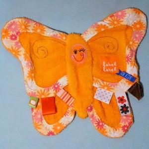 papillon LABEL-LABEL doudou plat en éponge orange étiquettes