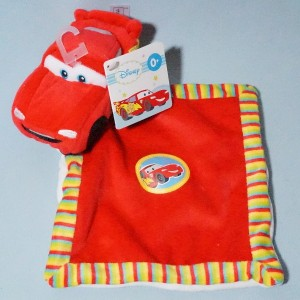 Voiture Cars Flash Mc Queen DISNEY NICOTOY (Kiabi) sos doudou carré plat rouge