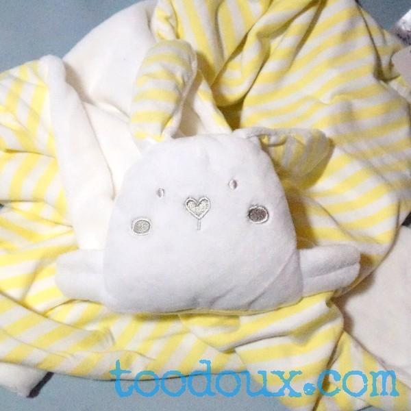 Couverture GRAIN DE BLE Génération Z doudou lapin blanc et jaune