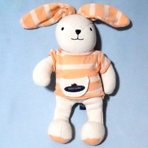 Lapin SAINT JAMES doudou beige, oreilles et pull rayés orange