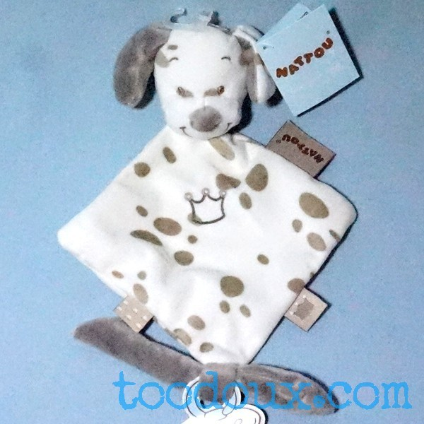 Max le chien NATTOU doudou plat blanc et beige