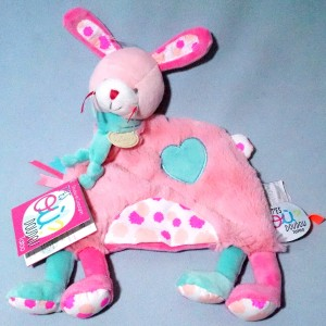 Lapin DOUDOU ET COMPAGNIE plat Tatoo rose