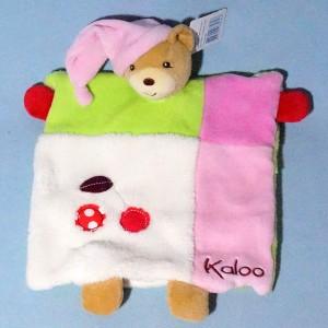 Ours KALOO Colors doudou marionnette plat cerises