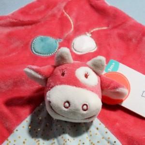 Vache NOUKIES doudou carré plat Lola rose