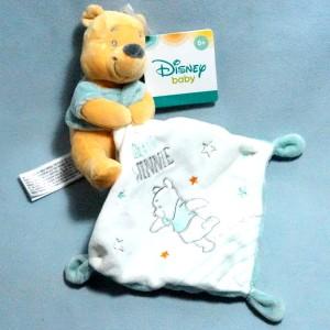Winnie DISNEY NICOTOY sos doudou carré plat Little Winnie in the stars Kiabi