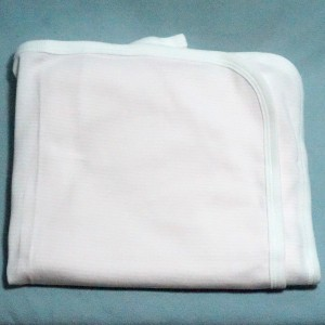 doudou drap PETIT BATEAU carré plat rose et blanc