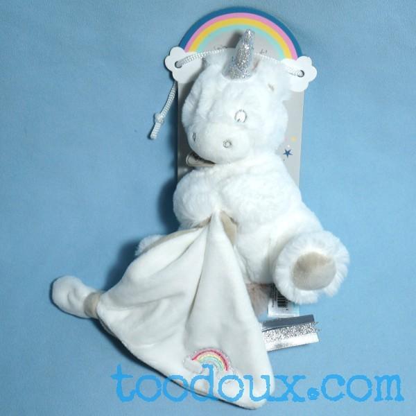 Licorne BABY NAT peluche blanche doudou plat blanc arc-en-ciel