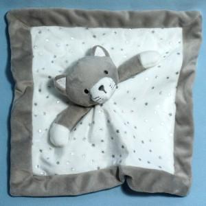 Chat  OKAÏDI OBAÏBI doudou carré plat blanc et gris étoiles